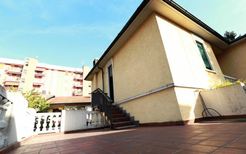Rif. A515 – SARONNO CENTRO – VILLA SINGOLA